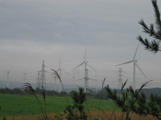 曇り風車2